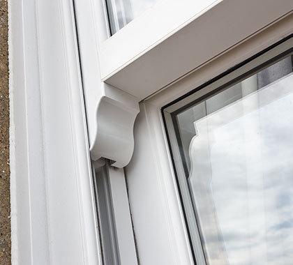 horned sash windows detail close